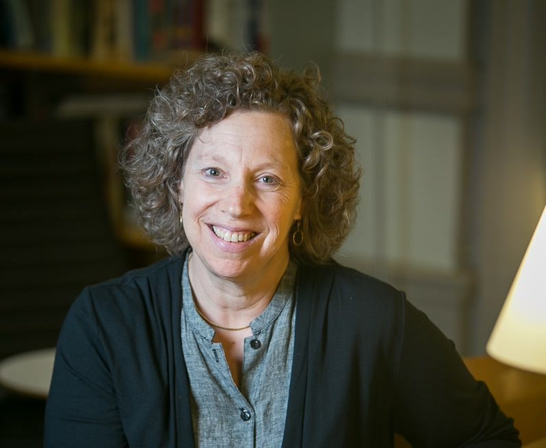 Professor Elizabeth Reis