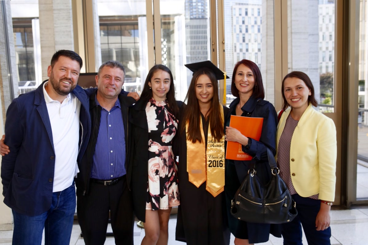2016 graduating Senior with family